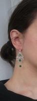 Margele de jad verde deschis si intens si de cuart alb pe fire de sarma argintata