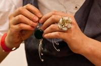 sarma argintata bijuterii handmade inel argintat cercei argintati targ de bijuterie contemporana